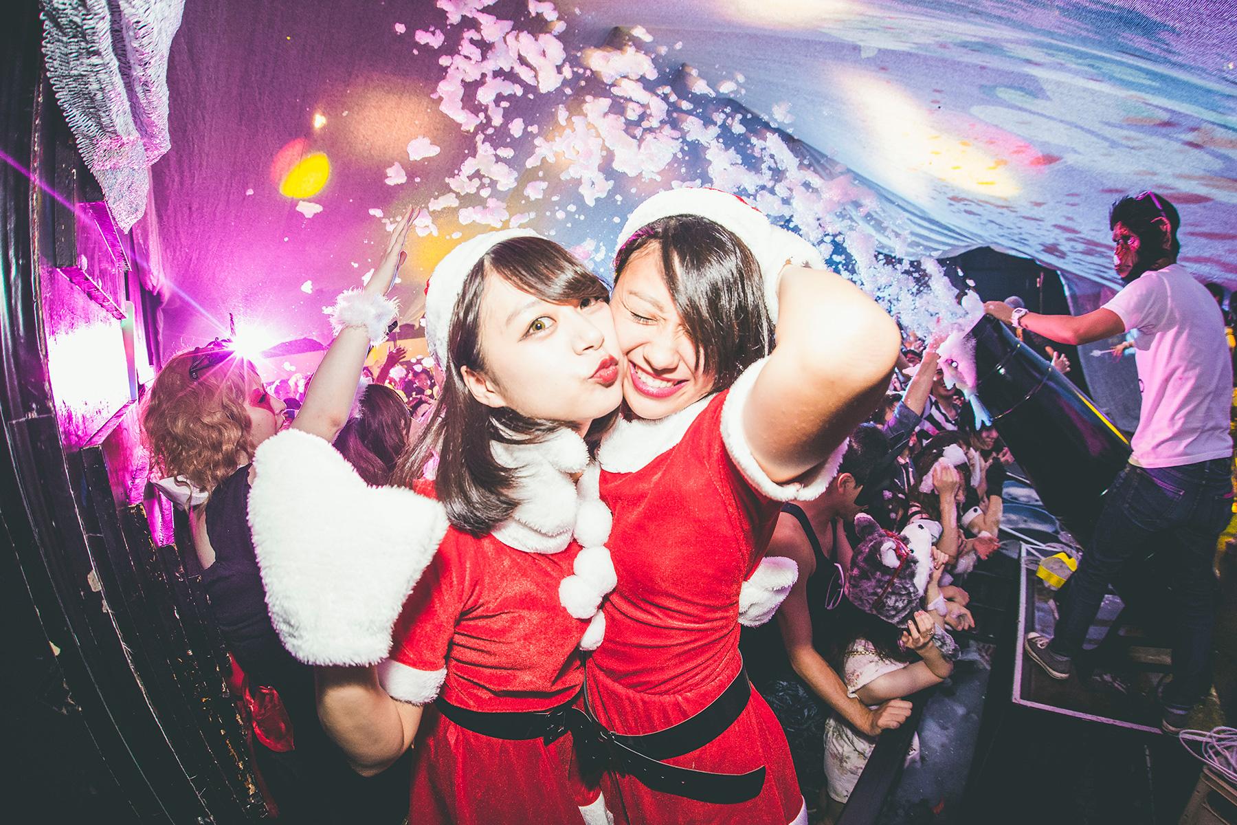 泡にまみれるホワイトクリスマス「泡クリスマス」